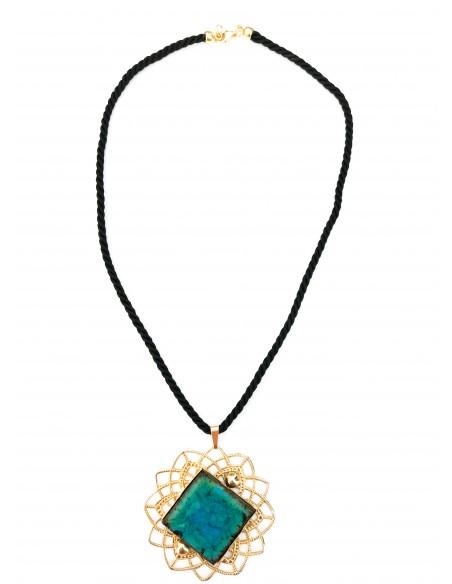 collana in pietra lavica verde smeraldo