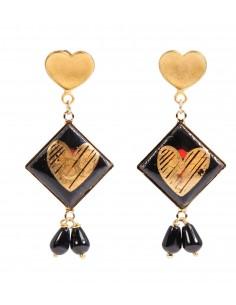 orecchini in pietra lavica con cuore dorato