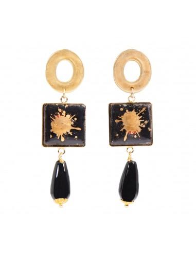 moda siciliana, orecchini pendenti in pietra lavica dell'Etna con decoro in oro zecchino